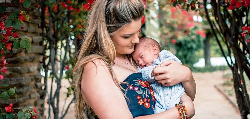 Esogestazione rapporto viscerale tra mamma e neonato